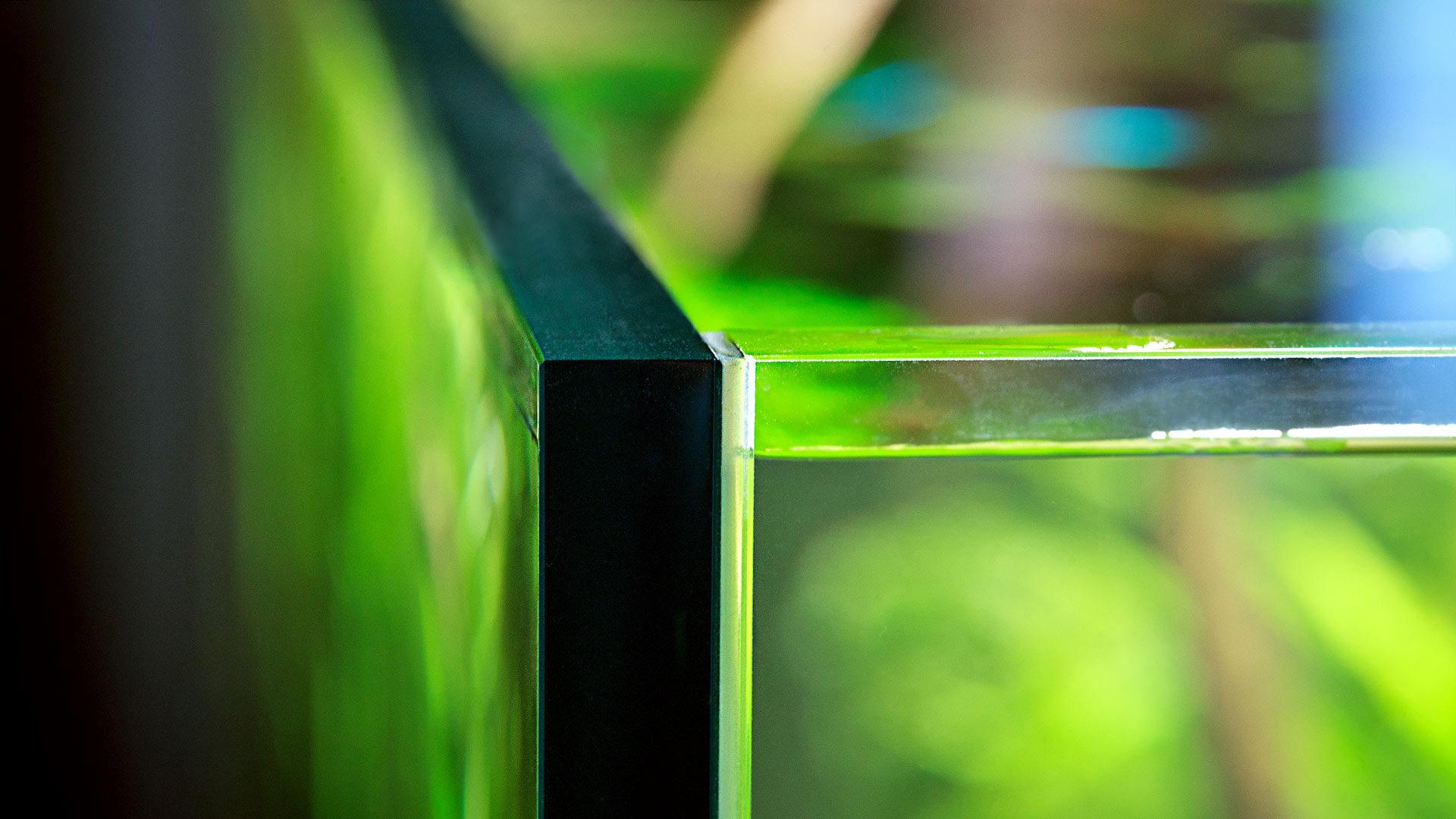 Чистка стекол аквариума